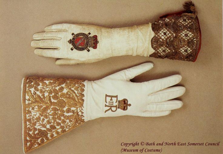 Queen Elizabeth 1 Coronation gloves