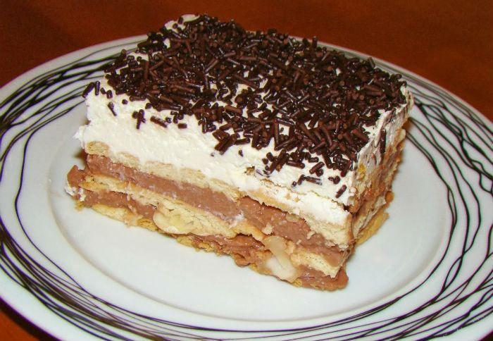 Πανεύκολο γλυκό ψυγείου με μπισκότα και σοκολάτα, χωρίς πολλές θερμίδες!