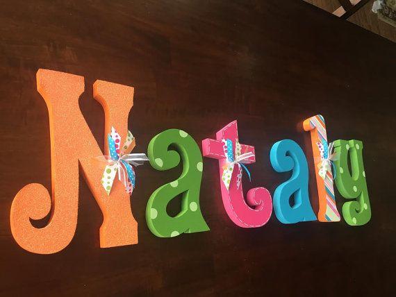 17 mejores ideas sobre letras colgante de pared en pinterest beb shabby chic decoraci n de - Letras bebe decoracion ...
