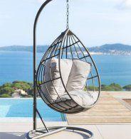Un fauteuil suspendu chez AM-PM - Marie Claire Maison