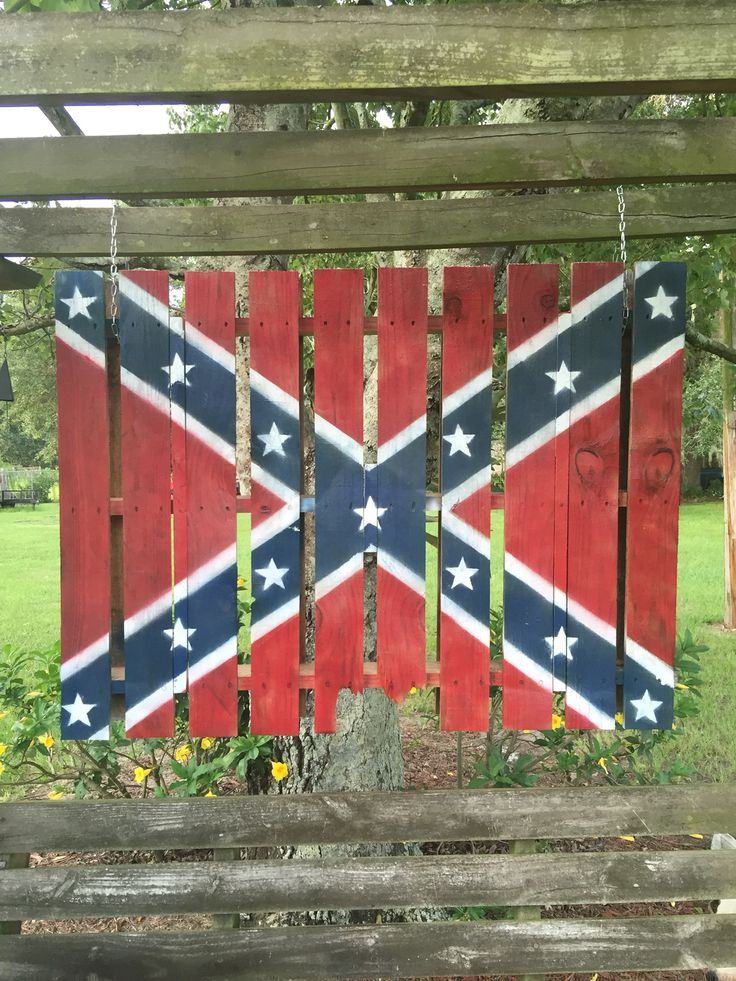 Hanging Pallet confederate flag