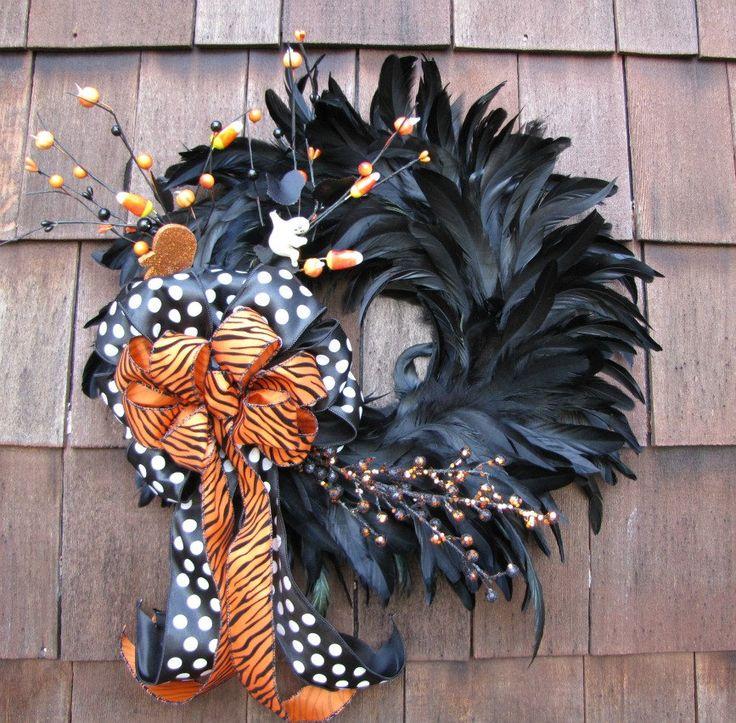 HalloweenHoliday, Halloween Decor, Halloween Costumes, Cute Halloween, Halloween Feathers, Fall Wreaths, Feathers Wreaths, Halloween Wreaths, Black Feathers
