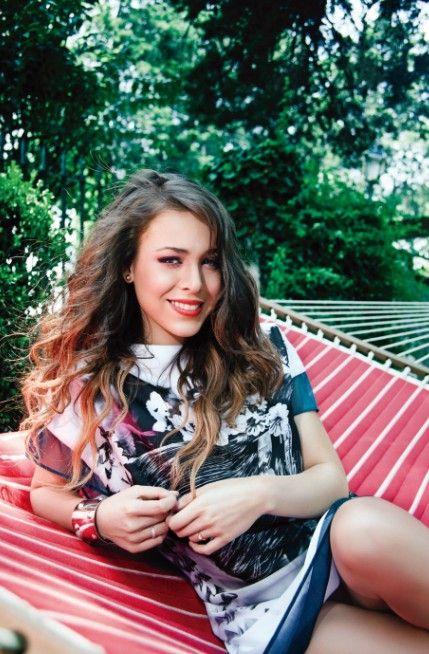 Karolina star and teen paola