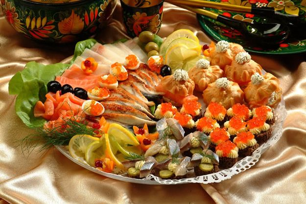 Traditional Russian dishes for Christmas Noel: the zakouski.