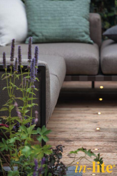 Sfeervol buitenleven | Outdoor lighting | Terras | Houten vlonder | Grondspot DB LED | 12V