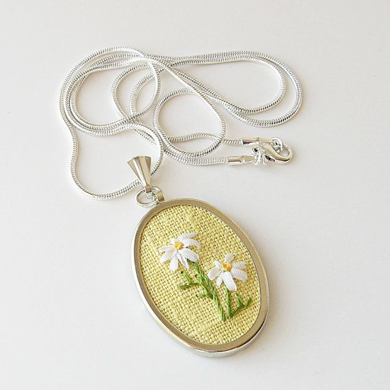 White daisies necklace silk ribbon embroidery by bstudio on Etsy, $40.00