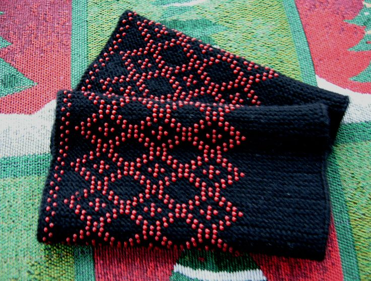 Riešinės.Rombai/rhombus.Beaded wrist warmers.Made by ingridasi.