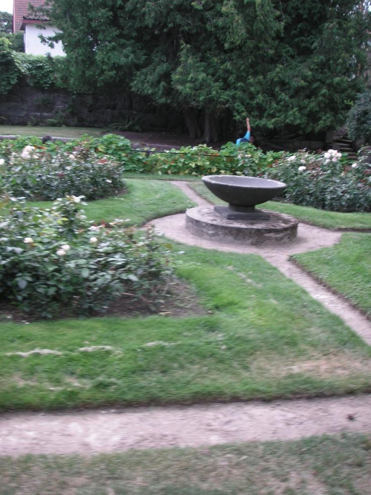 Garden of Hvitträsk, home of architects Eliel Saarinen, Herman Geselius and Armas Lindgren (built 1901-1903). photo_inka