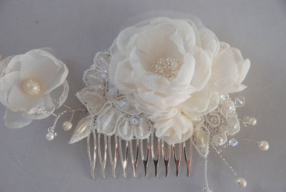 Ivory beaded floral hair comb; floral hair comb for wedding;bridal hair comb