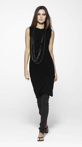 Long dress over leggings e card