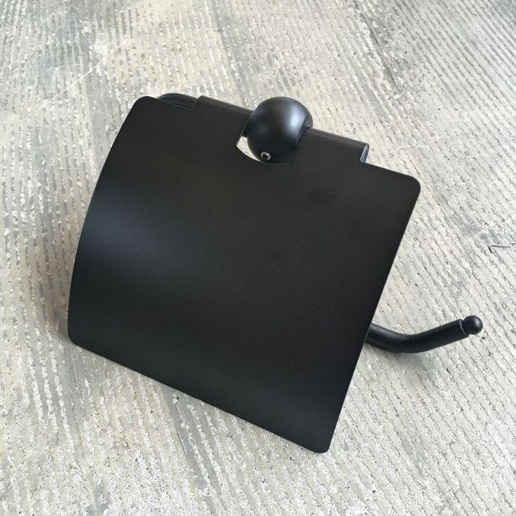 """商品説明シンプルながら存在感のあるペーパーホルダー。真鍮にアンティーク調ブラック仕上げを施し、シックでモダンな印象となっています。毎日使うものなので""""使い勝手が良く""""、&rdq…"""