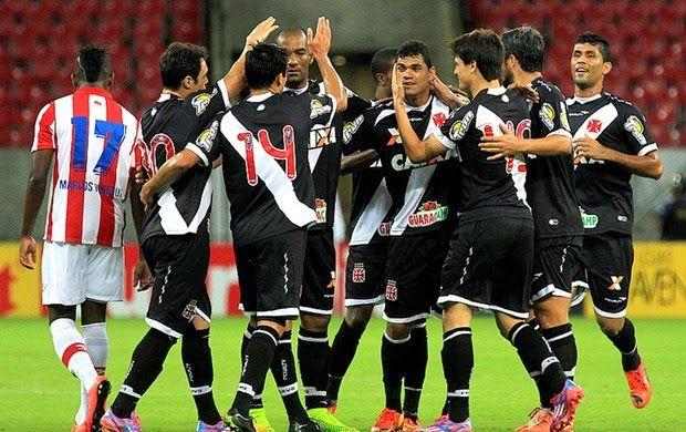 Blog Esportivo do Suíço: Vasco fura a muralha Júlio César, bate o Náutico e volta ao G-4