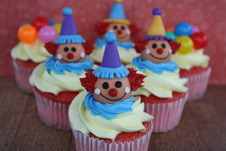 For The Love Of Sugar: Circus Cupcakes!