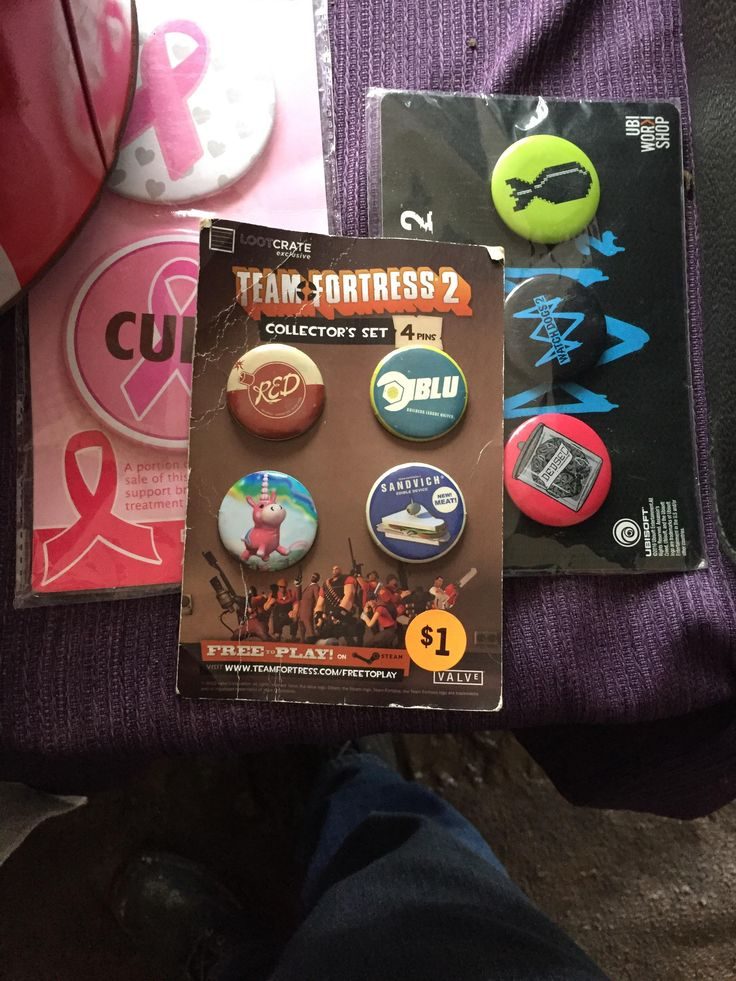 """Take a look what I found in the """"vintage"""" section of a local rummage sale! #games #teamfortress2 #steam #tf2 #SteamNewRelease #gaming #Valve"""