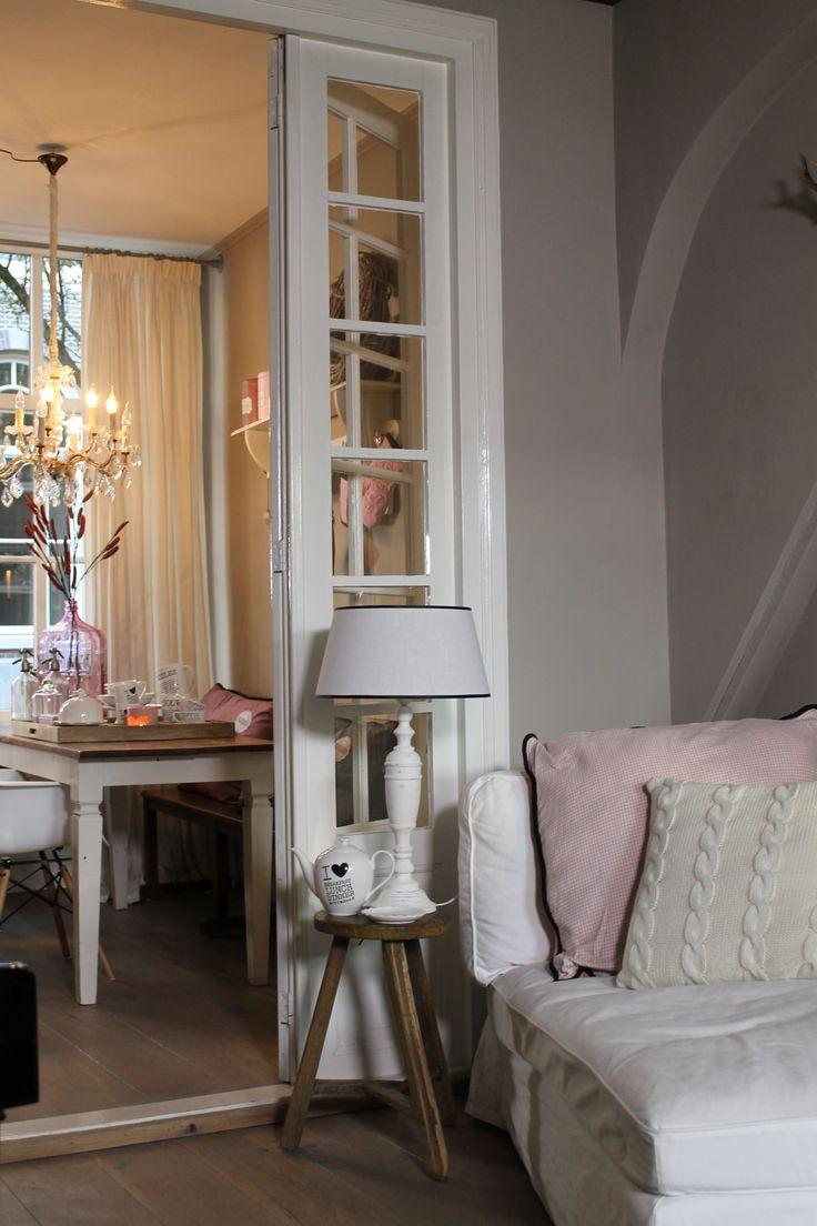 25 beste idee n over woonkamer neutraal op pinterest kleine zitkamer foyer en entree tafel - Entree decoratie interieur ...