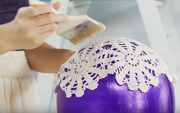 Wat zij maakt met een ballon en kanten onderzetters is echt FANTASTISCH…