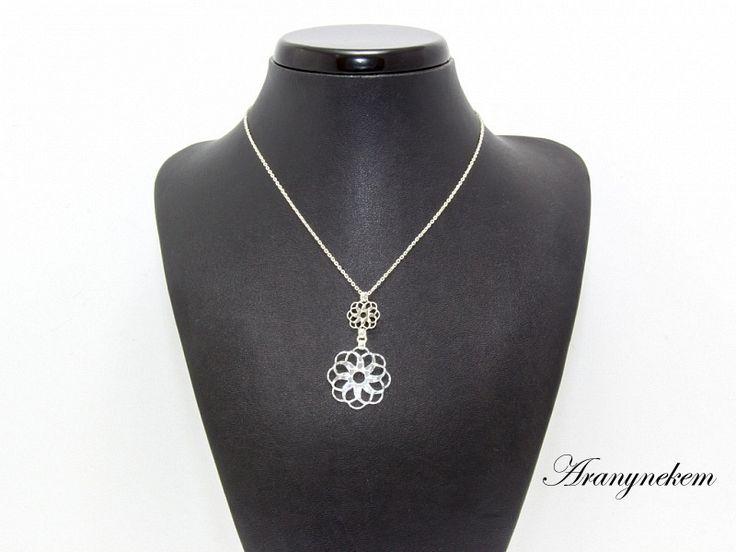 Virág motívumos ezüst anker Y nyaklánc
