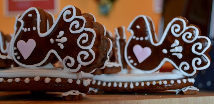 Czech Gingerbread Wedding Doves