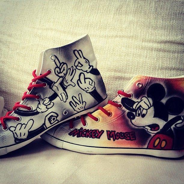 mickey mouse shoes shoes chucks graffiti art schuhe sneaker cartoon comic style. Black Bedroom Furniture Sets. Home Design Ideas
