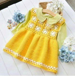 The clothes for baby are part of a tradition that passes from mother to daughter for many anos.Toda child is beautiful with crochet ...