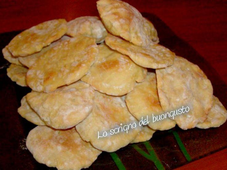 FOCACCINE CARIOCA (BRASILE)                          CLICCA QUI PER LA RICETTA http://loscrignodelbuongusto.altervista.org/focaccine-carioca-brasile/                                                   #focaccine #brasile #loscrignodelbuongusto #ricette #foodbloggers #cucinaestera