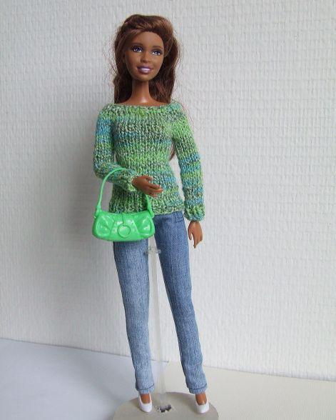 B353 Groene trui op spijkerbroek - Pop Fashion World