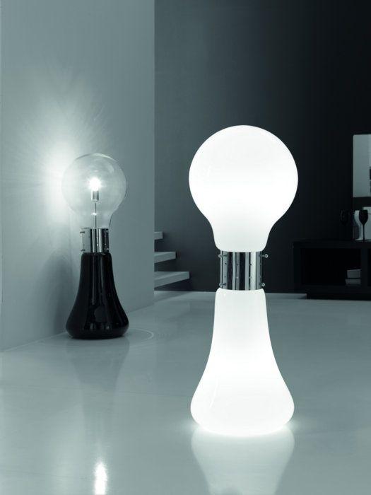 Lampada da Terra Dina 2751 - afroditeluce - Rivisitazione contemporanea dello  stile anni '70 del vetro soffiato di Murano.  La lampada ha due pulsanti