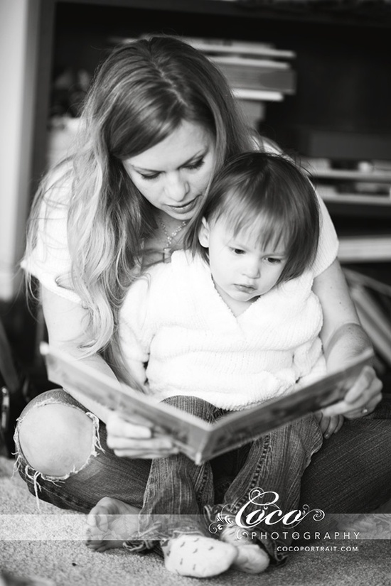 Mother Daughter Reading Lifestyle Family Photo Idea by Coco Photography