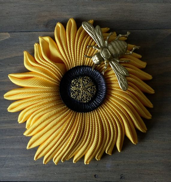 Sea flower brooch  sunflower and little honey bee  by RafaPeinador