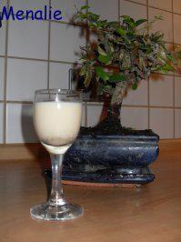 Das perfekte Kokoslikör-Rezept mit Bild und einfacher Schritt-für-Schritt-Anleitung: Kokosmilch, Milch, Mark der Vanille, Zimt und Zucker in einen großen…