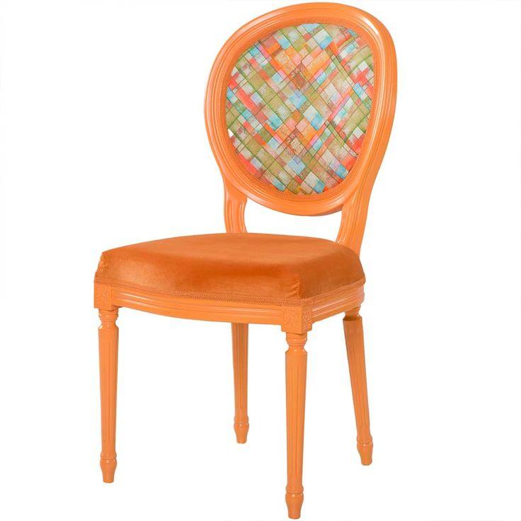 Scaunul de dining Stillo Portobello este acel element care scoate din anonimat livingul, birou şi - în genere - orice încăpere care îl găzduieşte.