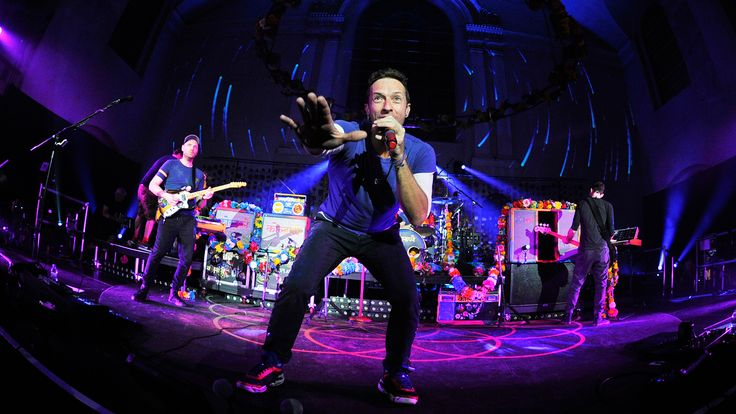 How did Coldplay, one of the world's biggest bands, become the ultimate Glastonbury Festival headliner?  http://www.bbc.co.uk/programmes/articles/2H64Q1hjcbDqGQD3qrlH74m/how-coldplay-became-the-ultimate-glastonbury-headliners #music #rockicons