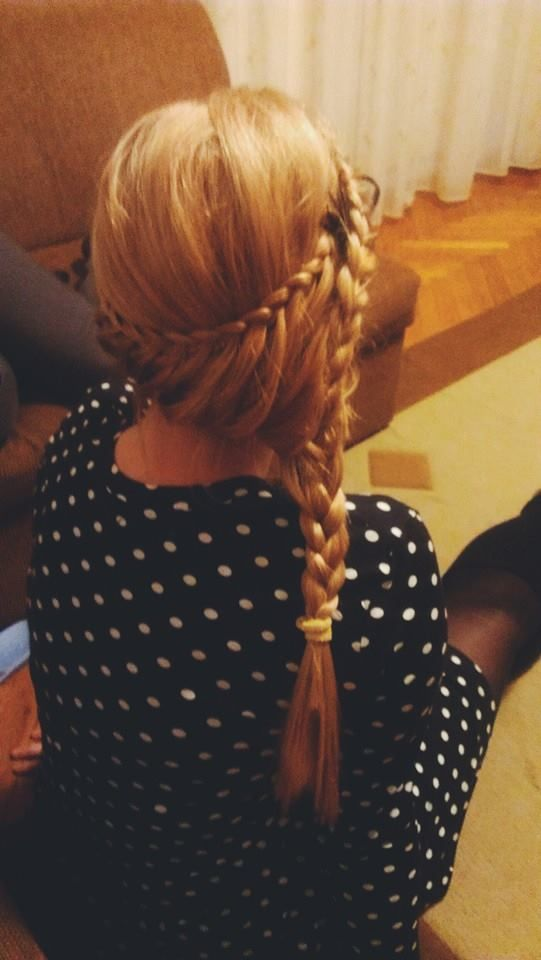 Princess look with a side lace braid