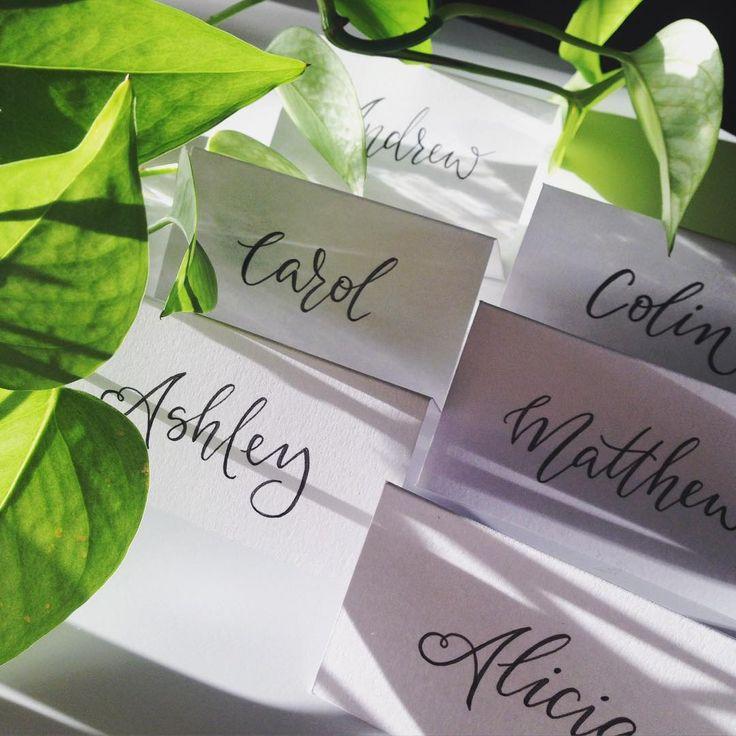afternoon light ✨👌🏼 \\ #handlettering #lettering #customtype #wedding #weddingdetails #weddingstationery #placecards #cursive #greenery