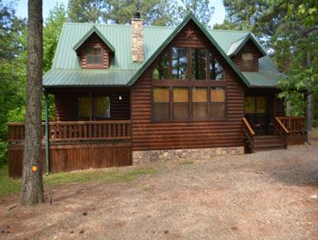 """Texas Two Step Lodge - Beavers Bend Cabins feature """"Texas 2 Step"""" A three bedroom Luxury cabin near Beavers Bend State Park with Hot ..."""