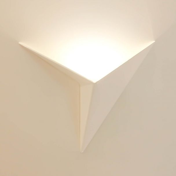 Achet de magnifique applique murale LED design et moderne en forme de triangle - coloris blanc - Acheter pas cher à Paris