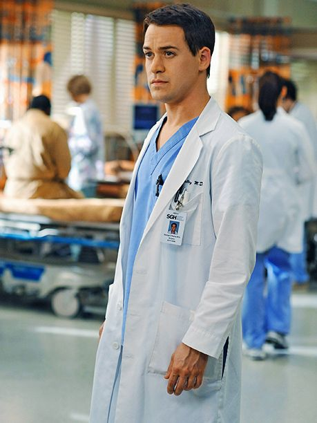 'Grey's Anatomy': How 10 Characters/Actors Exited the Show   Dr. George O'Malley (T.R. Knight)   EW.com