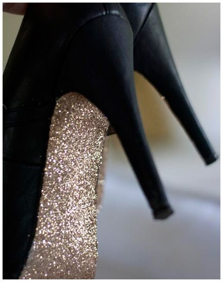 The dressed up version of the glitter flats. DIY Glitter Heels. Love these for the holidays. (link has how to)