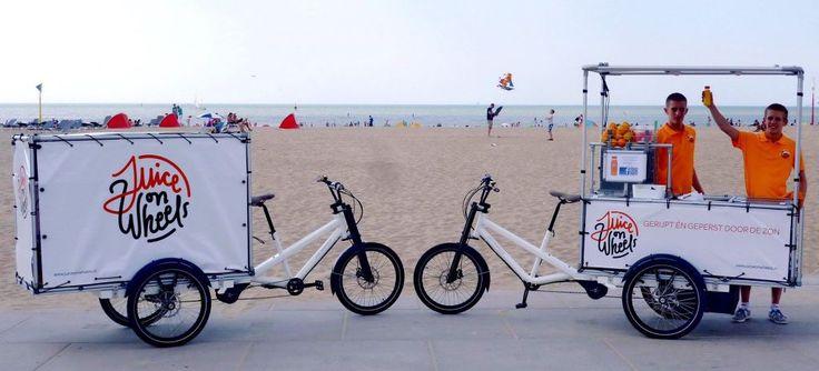Genießen Sie an einem sonnigen Strandtag ein erfrischenden, frischgepressten Saft #Gastrorad #Musketier #Cargobike #Lastenrad Juice on Wheels - www.Radkutsche.de