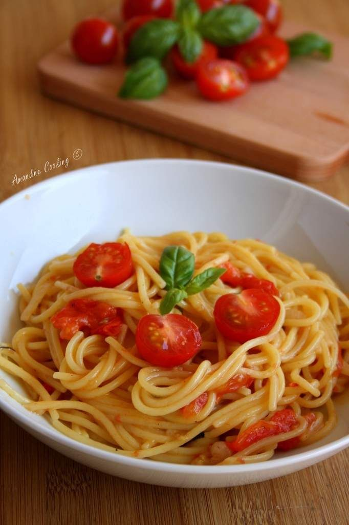 One pot pasta {tomate cerise, basilic, ail, oignon} Picture / Amandine Cooking / Copyright © 2015