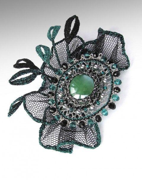 Odeta spona originální zelená černá ozdoba krajka stříbrná paličkovaná smaragdová účes