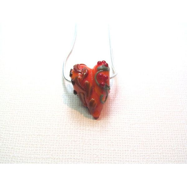 Necklace heart orange lampwork glass bead ($19) ❤ liked on Polyvore featuring jewelry, necklaces, orange jewelry, chains jewelry, beading necklaces, handcrafted beaded necklaces and heart shaped necklace