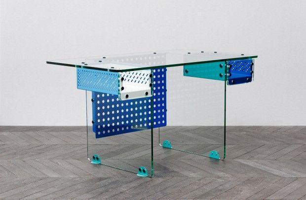 bureau Writing desk par Fabien Cappello verre, métal perforé, mecano