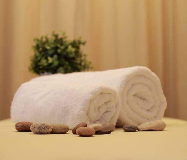 """<a href=""""http://studiokosmetyki.org/Zabiegi-lecznicze/"""">masaż leczniczy,masaż klasyczny,masaż relaksacyjny,drenaż limfatyczny,zabiegi borowinowe</a>"""