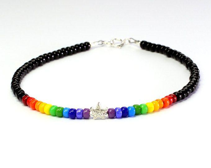 Bracciale arcobaleno; Braccialetto di perline; Braccialetto della perla di seme; Arcobaleno; Bracciale amicizia; Orgoglio; Sterling silver; Thegemstring; Boho; Colori dell'arcobaleno