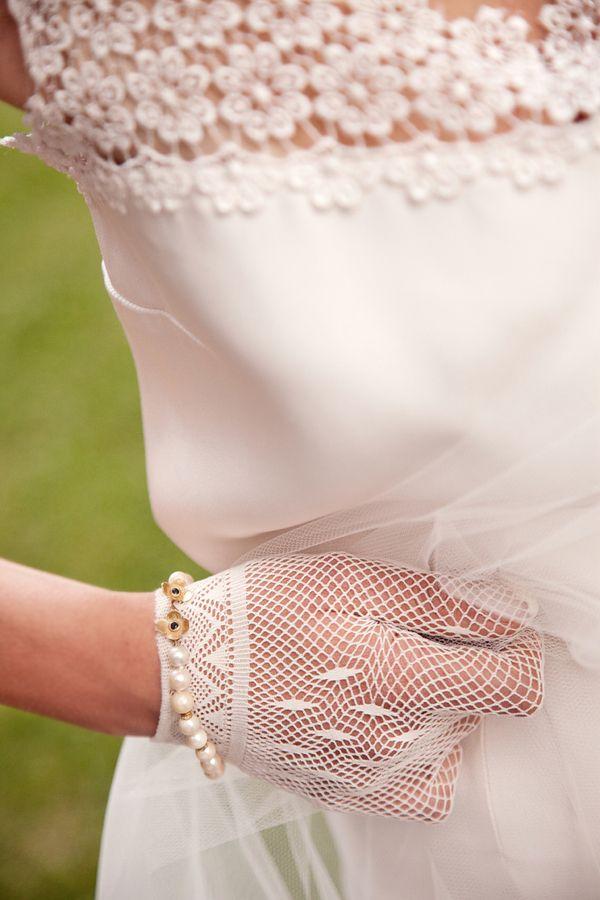 Chic Sixties Italian Bridal Style | Rosapaola Lucibelli Photography | See More! http://heyweddinglady.com/italian-chic-spring-styled-wedding-from-rosapaola-lucibelli/