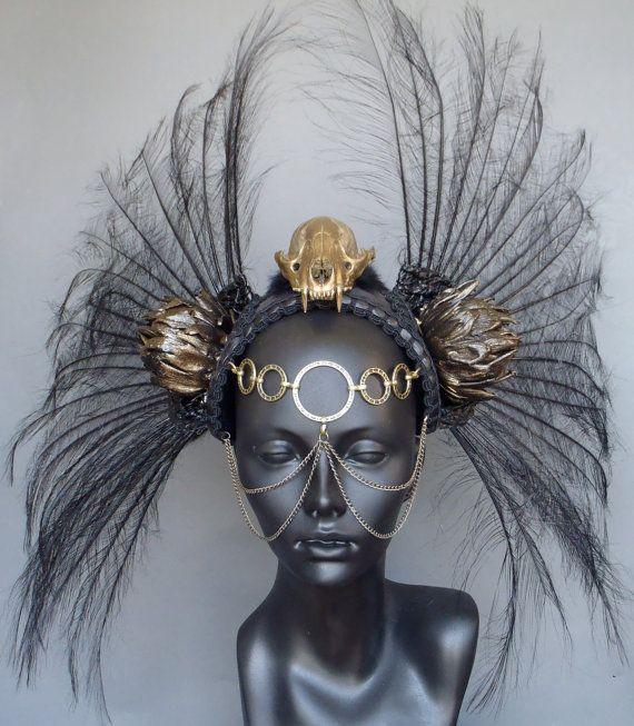 FAIT sur commande de crâne or & guerrier coiffe plume noire                                                                                                                                                                                 More