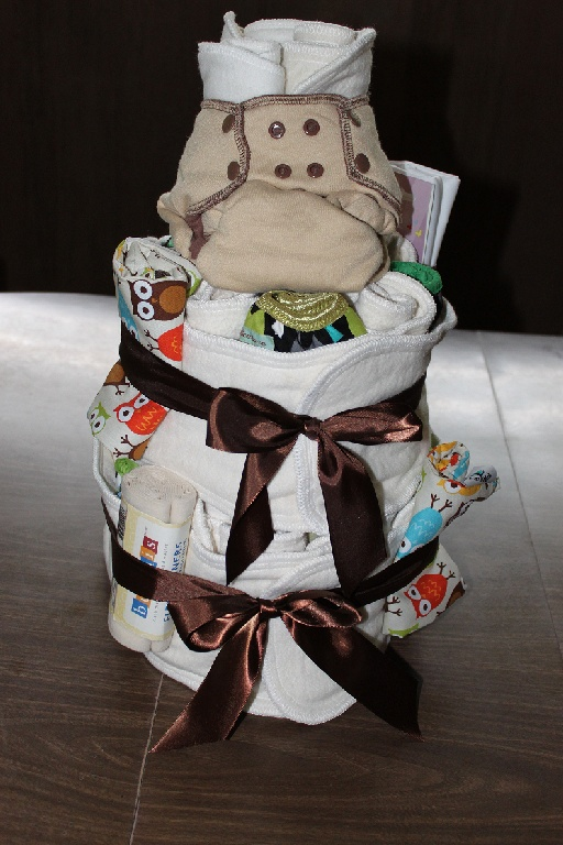 Cloth Diaper Cake... would love forever anyone who gave me this at a baby shower
