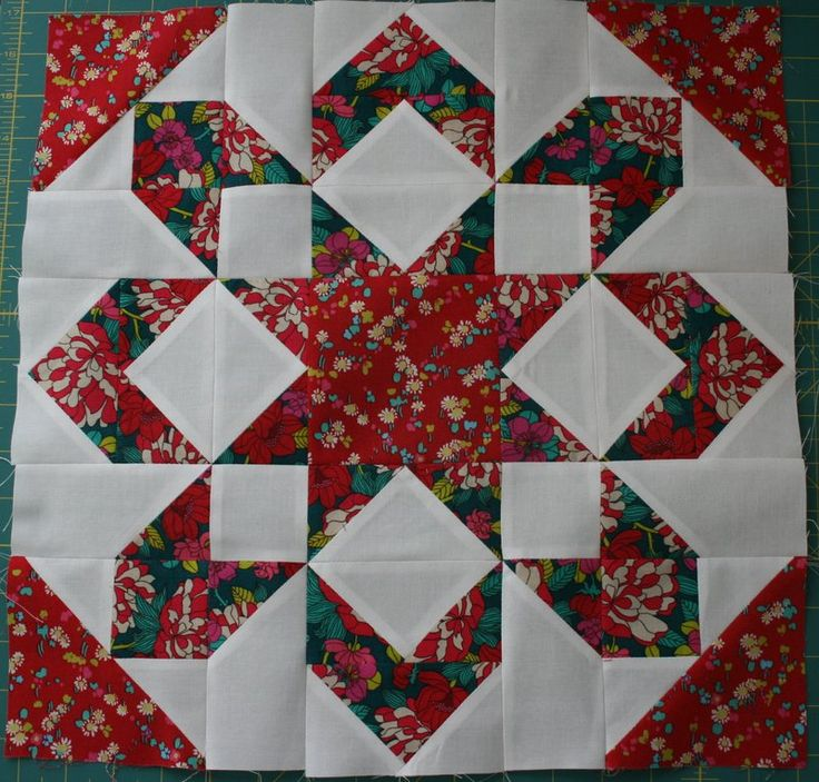 Thimble Blossoms Fireworks pattern, block done in Liberty of London quilting fabrics.  This is so pretty, I love stars.