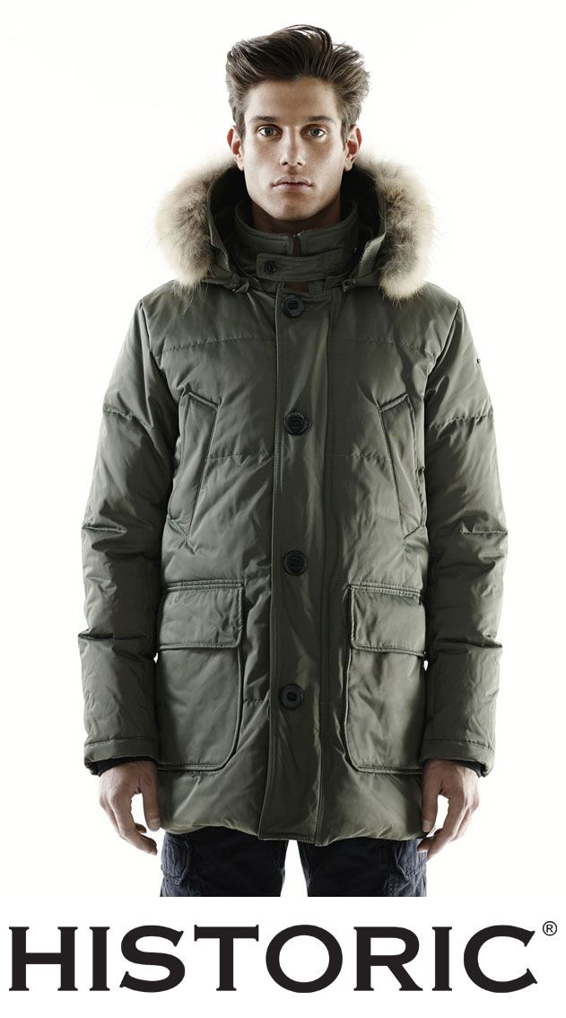il Norge Coat è realizzato con materiali robusti dotati di grande vestibilità e attenzione ai particolari: nylon oxford con trattamento water repellent e downproof, cappuccio con all'interno filo metallico per dare forma, collo in pelo lapin e ampie tasche interne ed esterne.  http://historic-brand.com/category-product/autunno-inverno-2014-15-uomo/  #norge #parkauomo #fashion #historic #menfashion